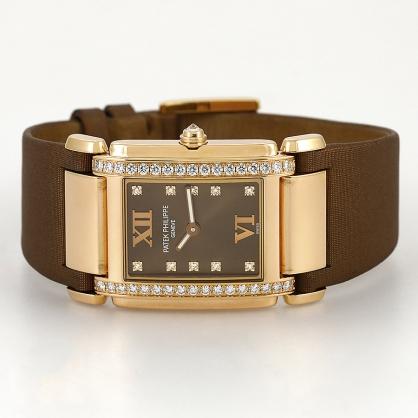 Review đồng hồ Patek Philippe Twenty 4 4920R 001: Chiếc đồng hồ dành cho phái nữ