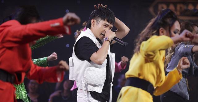 Chịu chơi như 'trò cưng' của Karik, đeo đồng hồ hơn 2 tỷ lên sân khấu Rap Việt