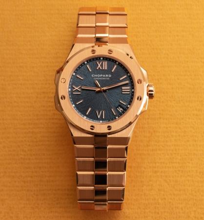 Đánh giá chi tiết đồng hồ Chopard Alpine Eagle 41mm Rose Gold