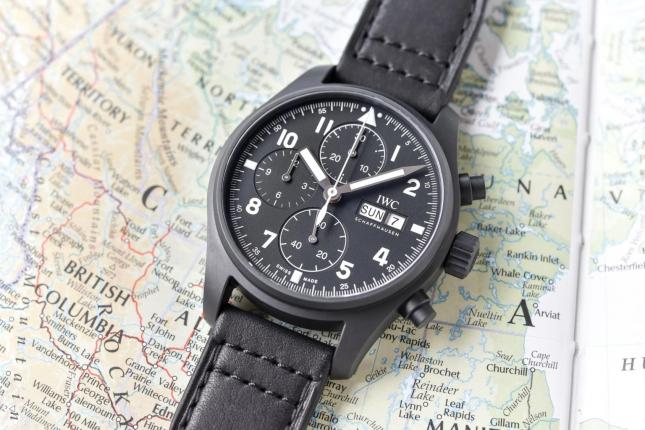 """Đánh giá chi tiết đồng hồ IWC Chronograph """"Tribute To 3705"""""""
