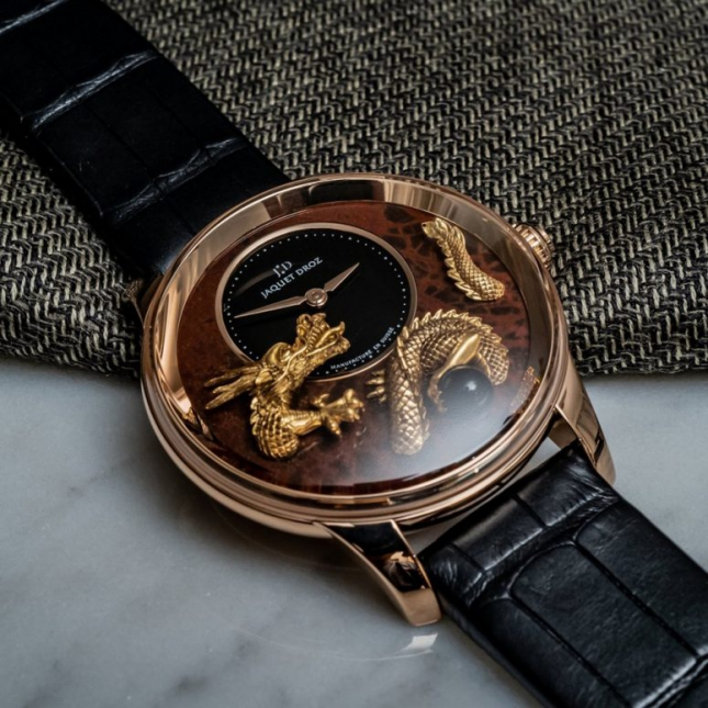 Review chi tiết đồng hồ Jaquet Droz Petite Heure Minute Relief Dragon