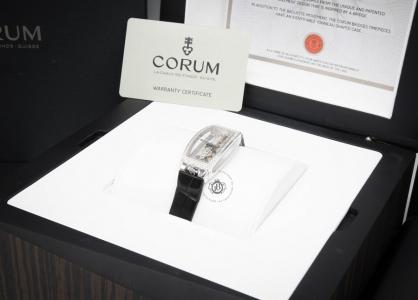 Review đồng hồ Corum Golden Bridge bản giới hạn trong suốt cực độc