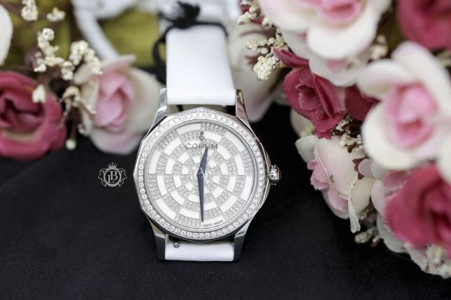 Review đồng hồ nữ Corum Admiral's Cup: đẹp nhẹ nhàng