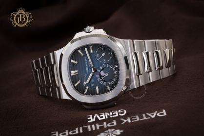 Review đồng hồ Patek Philippe Nautilus 5712/1A siêu hot: mạnh mẽ, thanh lịch và hoàn mỹ