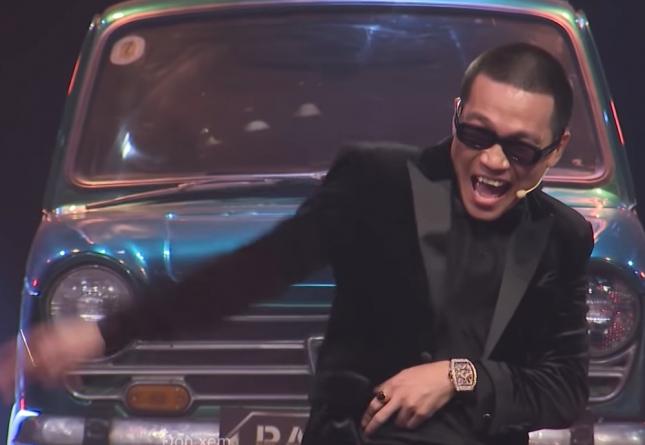 Lạo đại Wowy diện đồng hồ Franck Muller trị giá tiền tỷ trên Rap Việt, bảnh bao bất ngờ