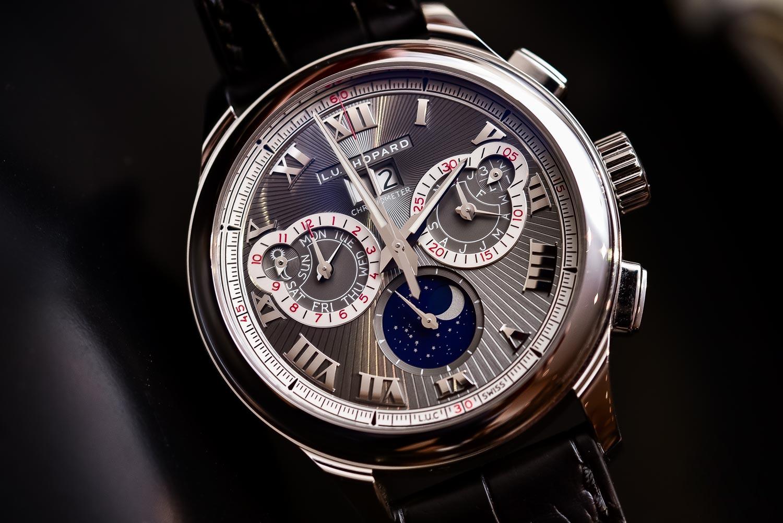 Review đồng hồ Chopard LUC Perpetual chế tác từ vàng trắng nguyên khối