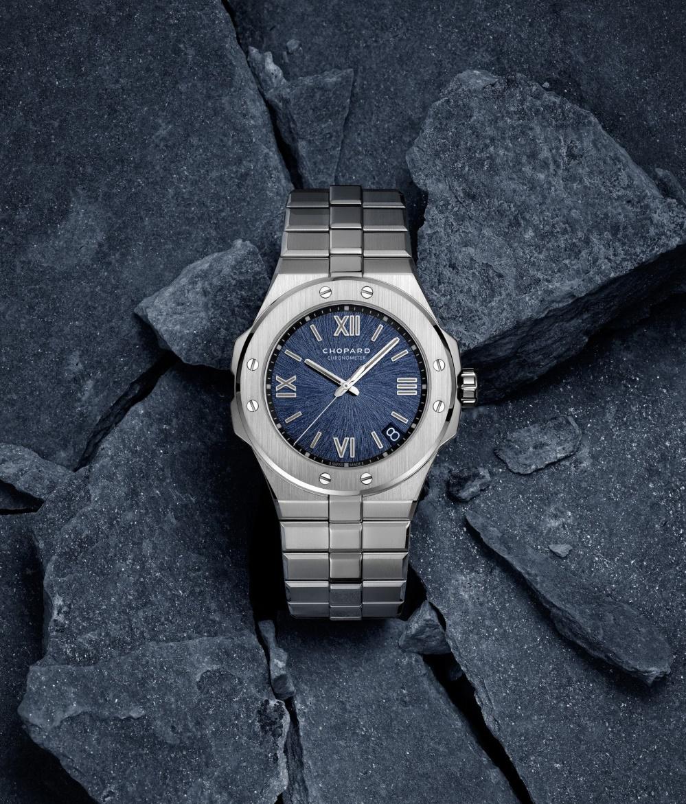 Chopard giới thiệu đồng hồ Alpine Eagle với bộ vỏ độc đáo từ thép