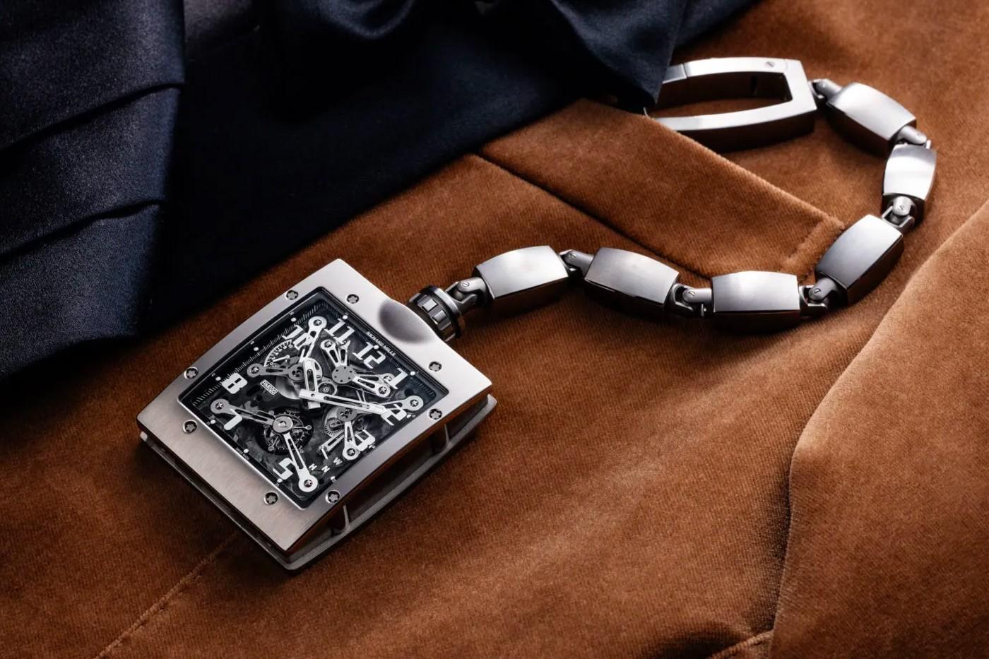 Review mẫu đồng hồ bỏ túi Tourbillon mới nhất hiện nay củaRichard Mille