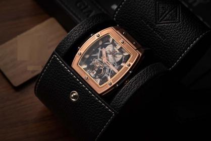 Bật mí chi tiết Siêu phẩm đồng hồ Hublot MP-06 vàng hồng