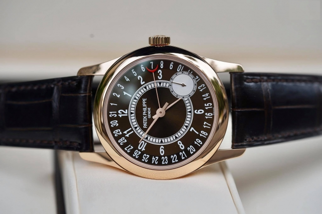 Review đồng hồ Patek Philippe Calatrava 6000R-001 đẳng cấp