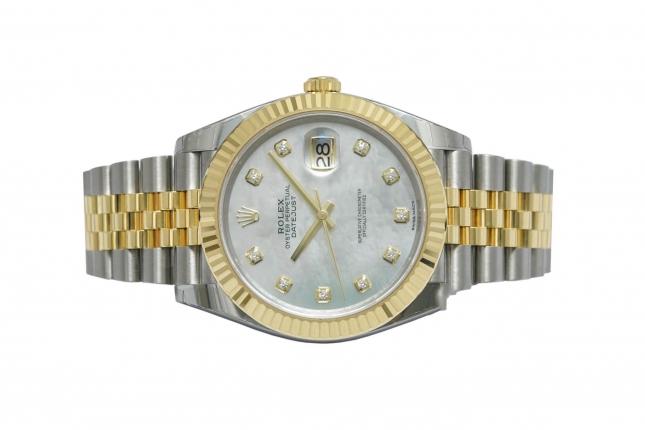Review đồng hồ Rolex Datejust 41 126333 mặt số vỏ trai trắng vô cùng độc lạ