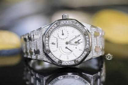 Review đồng hồ Audemars Piguet Royal Oak Dual Time 36mm độ kim cương