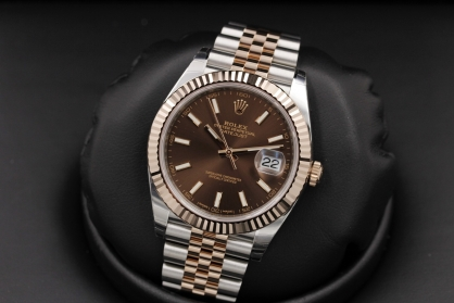 Review đồng hồ Rolex Datejust 41 mm (126331) mặt số màu chocolate
