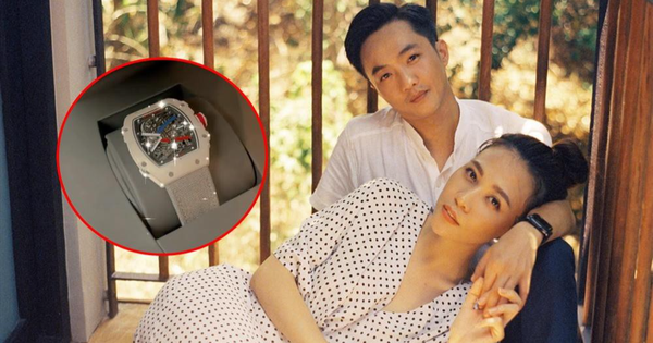 Bóc giá mẫu đồng hồ Cường Đô La vừa mua làm quà tặng vợ chẳng nhân dịp gì