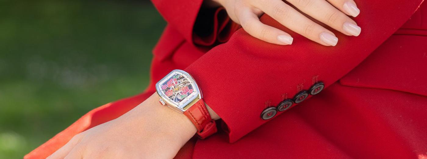 Thưởng ngoạn đóa hồng nở rộ trên mẫu đồng hồ Franck Muller Vanguard Rose Skeleton