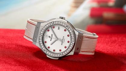 4 mẫu đồng hồ ý nghĩa nhất tặng mẹ nhân Ngày của Mẹ