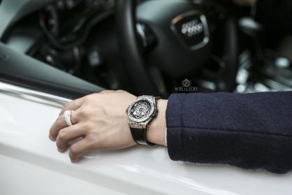Covid 19: Cách đeo và làm sạch đồng hồ cao cấp từ Boss Luxury để phòng chống virus corona
