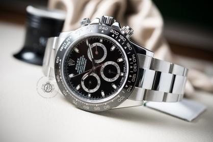 Cách chỉnh giờ đồng hồ Rolex chính hãng chuẩn xác nhất 2020