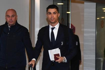 Cristiano Ronaldo đeo trên tay chiếc đồng hồ Rolex đắt nhất từng được sản xuất