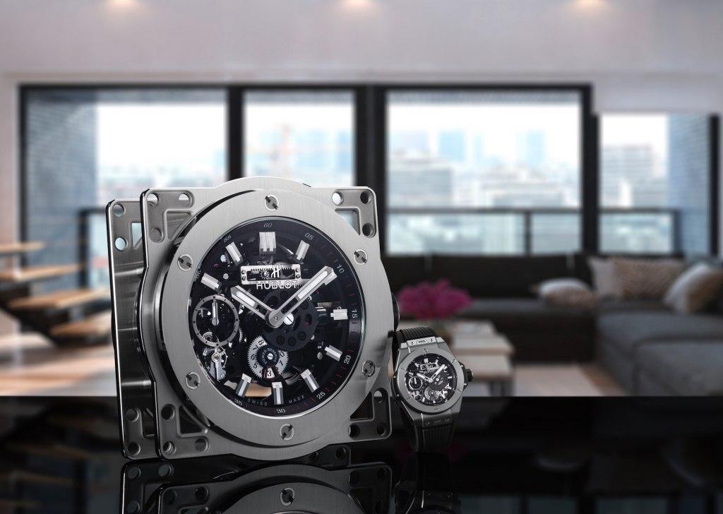 Hublot lần đầu tiên giới thiệu đồng hồ để bàn MECA-10 gợi nhớ về những ký ức tuổi thơ