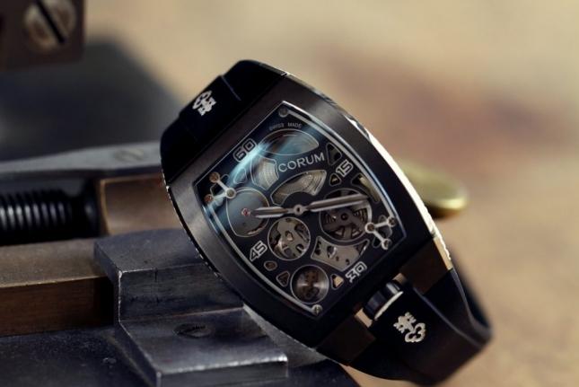 Hướng dẫn cách phân biệt đồng hồ Corum thật giả