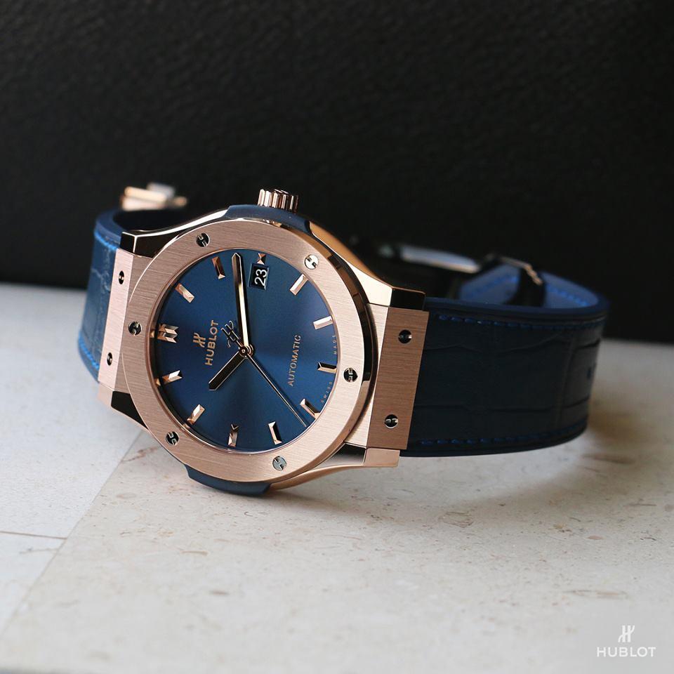 Review đồng hồ Hublot Classic Fusion King Gold Blue 42mm (542.OX.7180.LR)