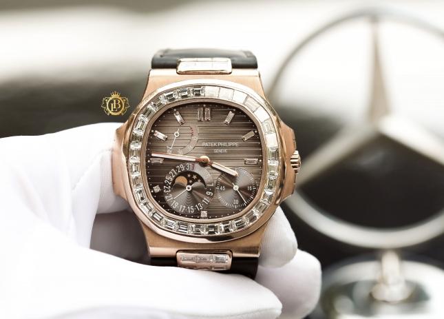 Review đồng hồ Patek Philippe Nautilus 5724R-001