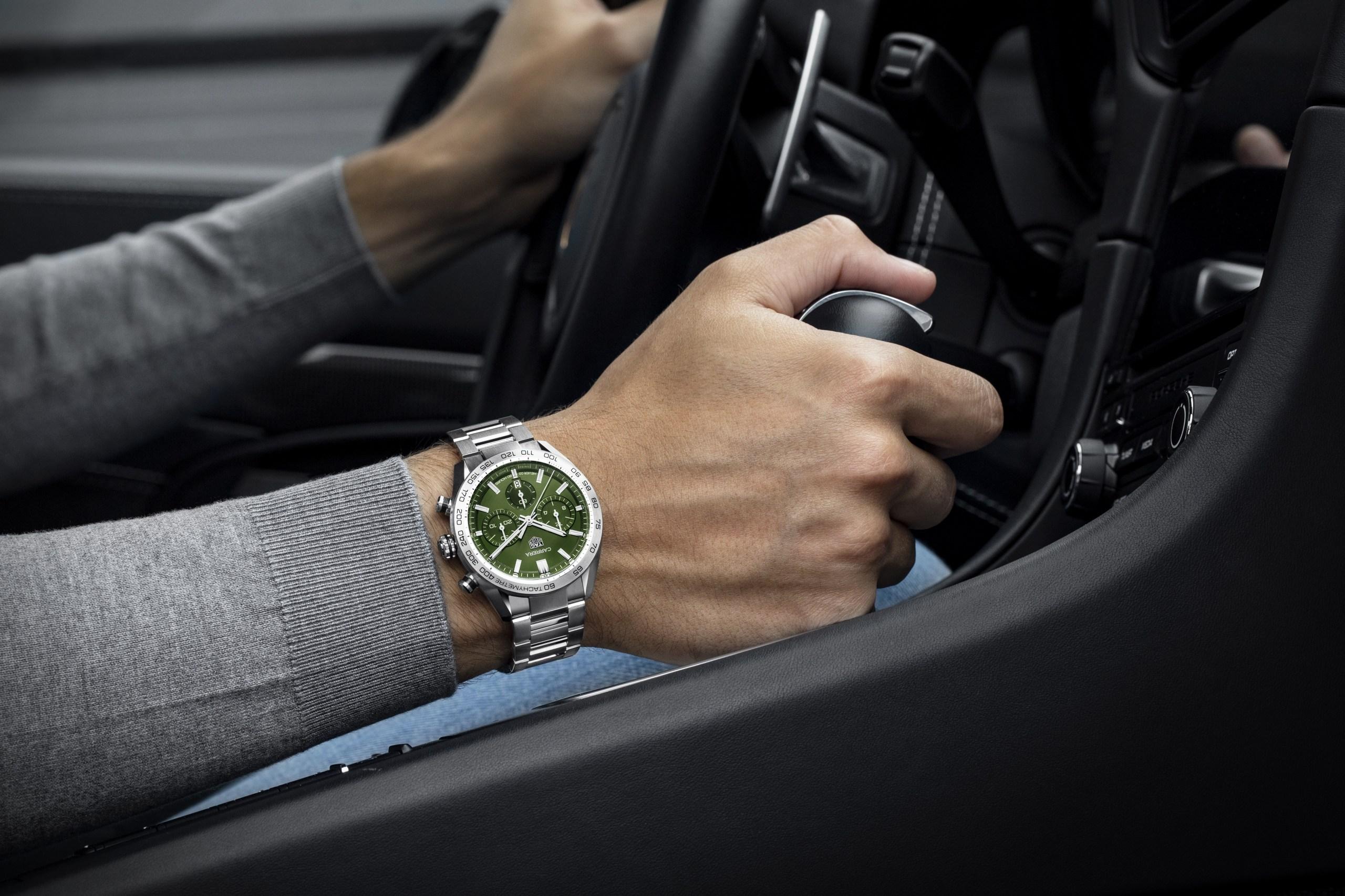 Top 5 đồng hồ với mặt số màu xanh olive đầy mới lạ dành cho phái mạnh