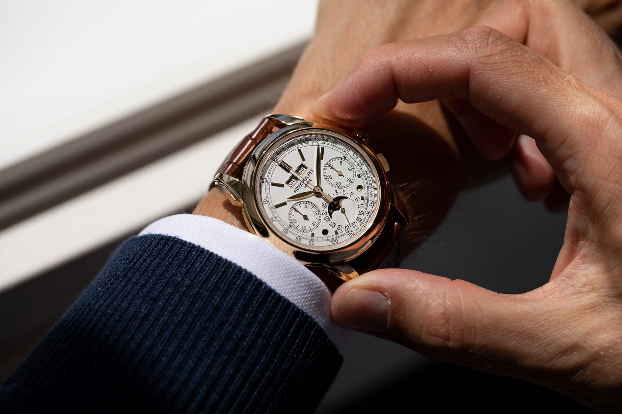 5 mẫu đồng hồ với chức năng lịch vạn niên đáng sở hữu nhất