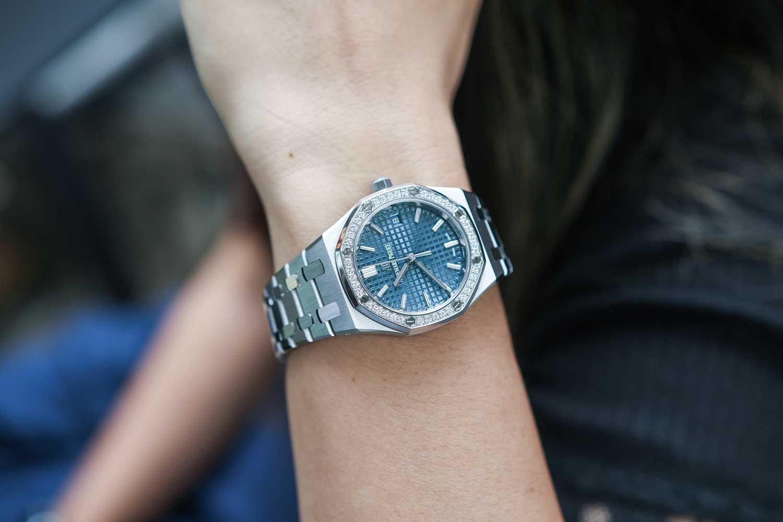 Audemars Piguet vừa cho ra mắt 4 phiên bản đồng hồ cơ với kích thước chưa từng thấy trong lịch sử Royal Oak