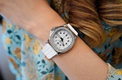 Boss Luxury gợi ý 3 mẫu đồng hồ cho những cô nàng có cổ tay nhỏ