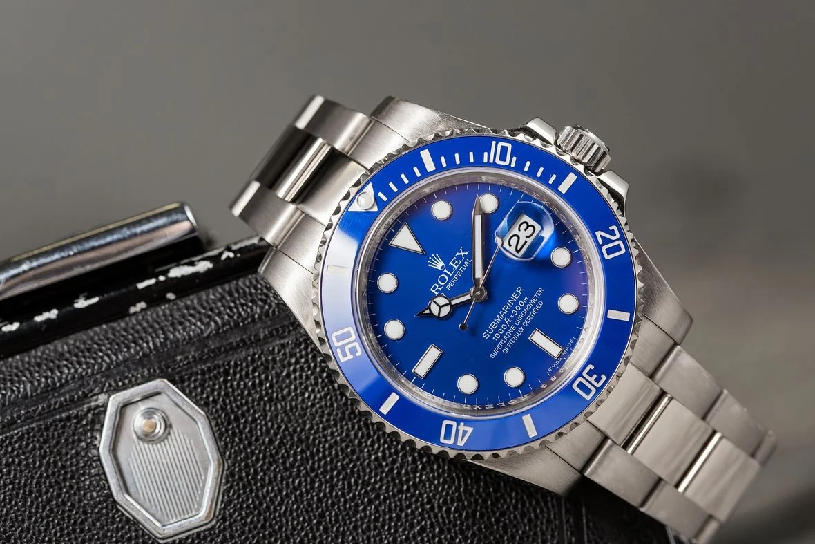 Tư vấn chọn đồng hồ Rolex Submariner mặt xanh dương cho phái mạnh