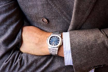 Mách bạn 10 mẫu đồng hồ phối với bộ vest cực chất cho phái mạnh