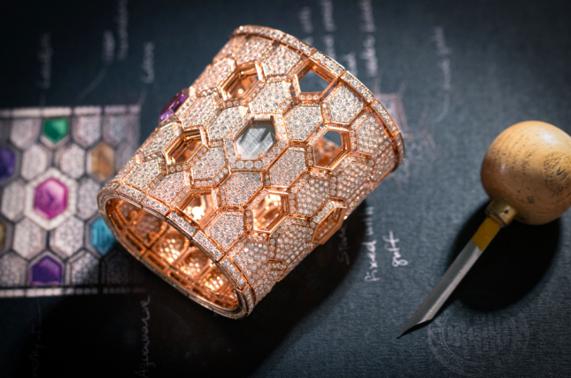 9 mẫu đồng hồ nữ đẹp đến xiêu lòng tại Watches & Wonders 2021