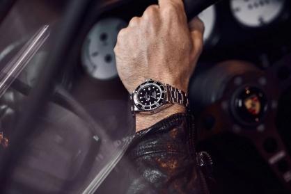 Hướng dẫn chọn mua đồng Rolex Sea-Dweller cho các quý ông mạnh mẽ