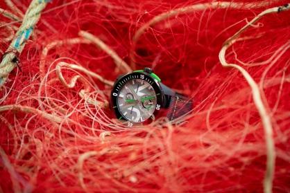 Đồng hồ làm từ chất liệu tái chế - Xu hướng mới cho giới mộ điệu năm 2021
