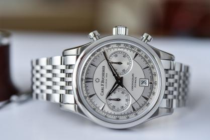 5 mẫu đồng hồ dây kim loại ấn tượng nhất hiện nay