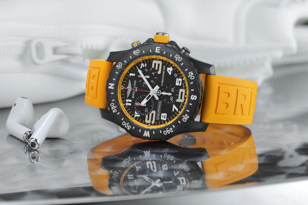 Khám phá những mẫu đồng hồ rực rỡ sắc vàng ấn tượng hiện nay