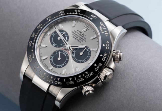 4 Mẫu đồng hồ hấp dẫn dành cho người yêu mặt số gấu trúc