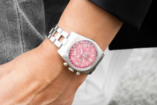 Khám phá những chiếc đồng hồ màu hồng độc đáo xuất hiện tại Dự án The Pink Dial