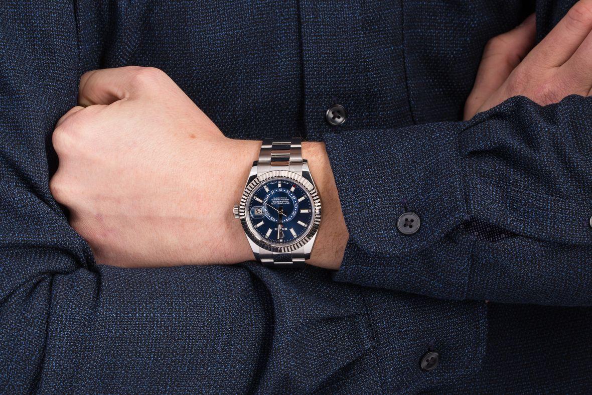Những điều bạn cần biết về đồng hồ Rolex Sky-Dweller trước khi chọn mua