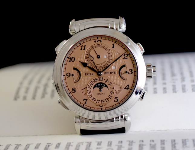 Patek Philippe Grandmaster Chime 6300A chính thức trở thành chiếc đồng hồ đeo tay đắt nhất thế giới