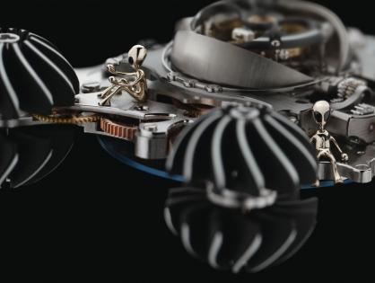 Công nghệ phát triển có làm mất đi vẻ đẹp của nghề chế tác đồng hồ thủ công truyền thống?