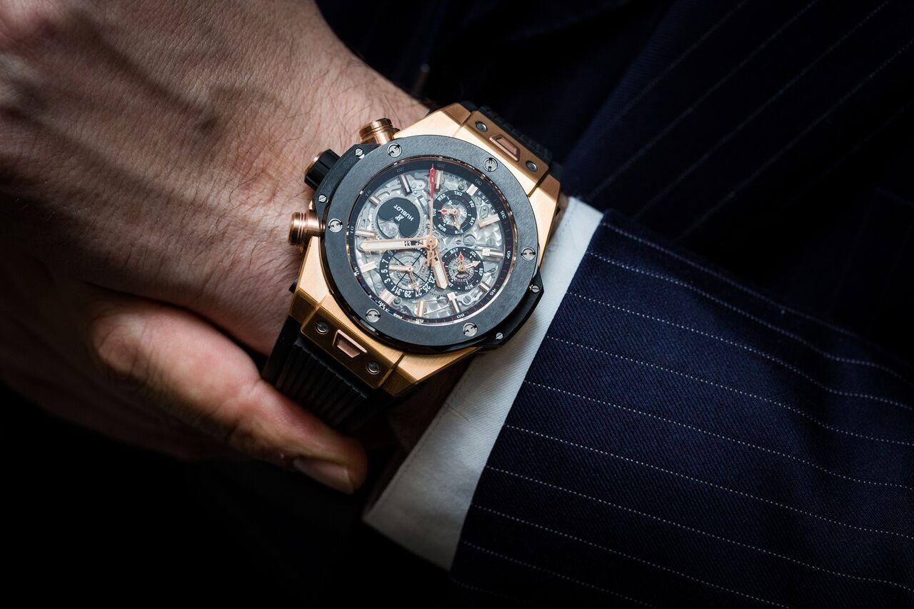 Gợi ý 4 mẫu đồng hồ lịch vạn niên mạnh mẽ khỏe khoắn