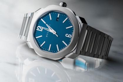 Classic Blue - Gam màu cổ điển thống trị ngành đồng hồ 2020
