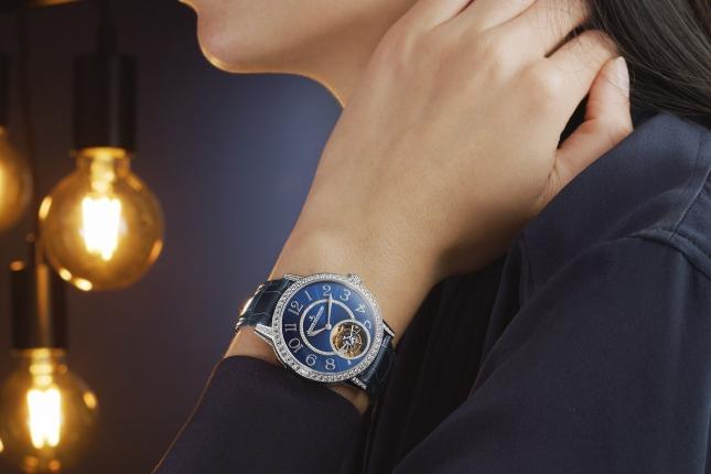 Những mẫu đồng hồ Tourbillon nữ tuyệt đẹp dành tặng cho nửa kia nhân dịp Valentine