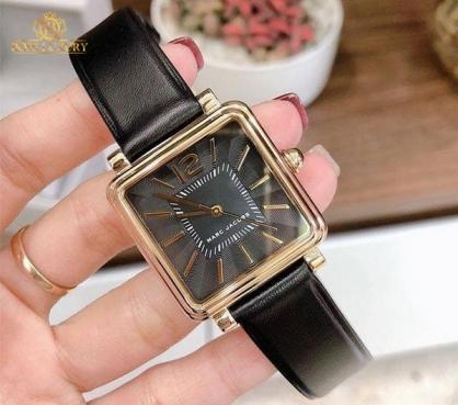 Bộ sưu tập đồng hồ Marc Jacobs mặt vuông tại Boss Luxury