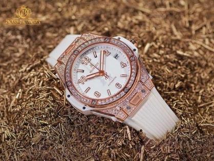 Ngắm bộ sưu tập những mẫu đồng hồ Hublot màu trắng xa xỉ