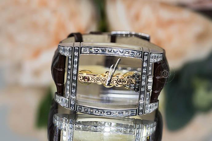 Giá bán đồng hồ Corum chính hãng là bao nhiêu tiền?
