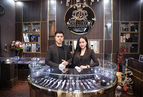 Đội ngũ nhân viên Boss Luxury sẵn sàng giải đáp mọi thắc mắc cho khách hàng